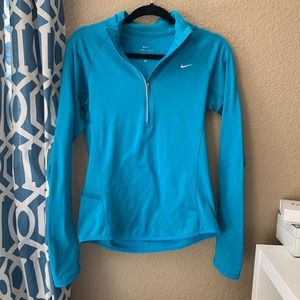 Nike pro pull over hoodie small